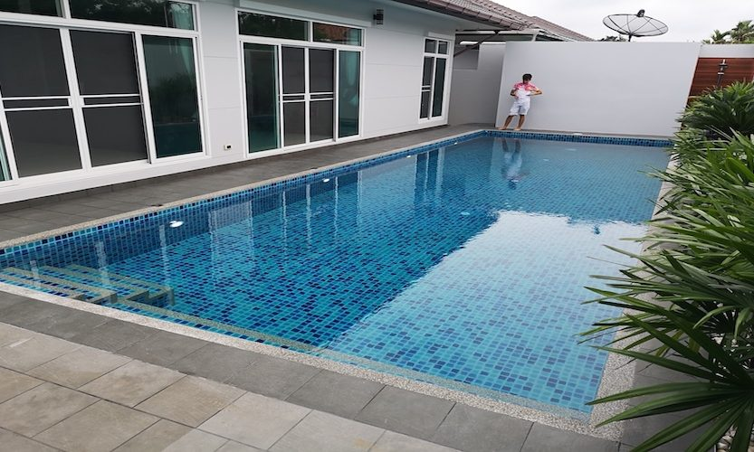 spesialis perawat kolam renang di bumi serpong damai tangerang